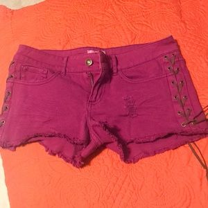 Laced side shorts